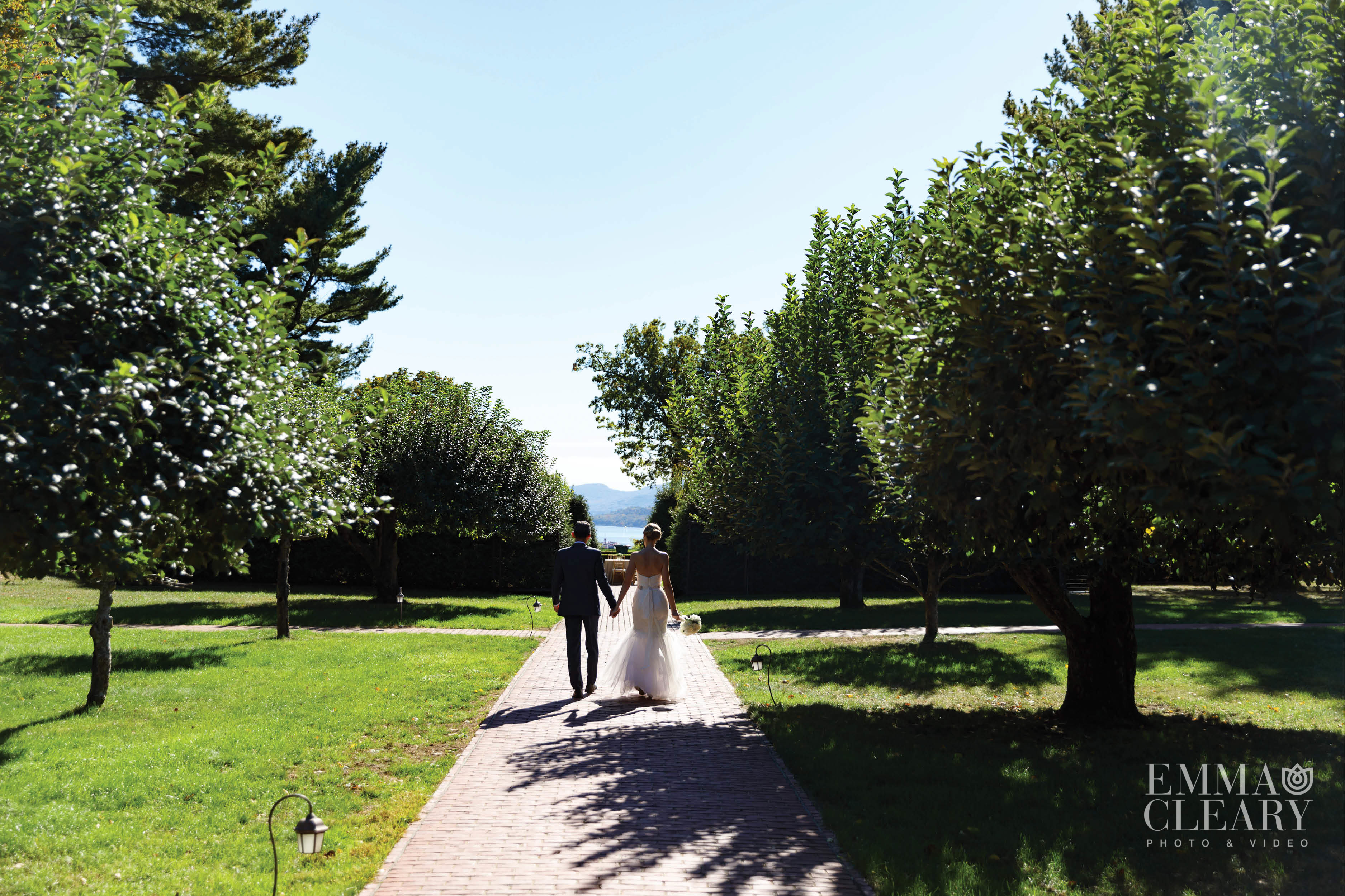 Outdoor Wedding Photography | Beautiful Spot in New York
